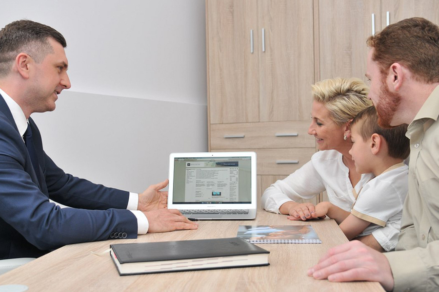 solidny doradca kredytowy pomoże przy wyborze finansowania