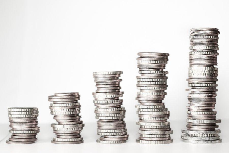 koszty kredytu tj. marża i prowizje banku, oprocentowanie i opłaty powiązane